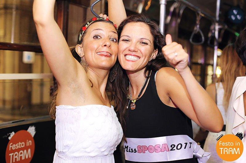 Feste aziendali a Milano music tram Milan Festa in Tram